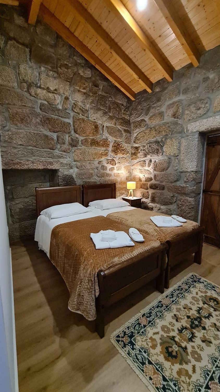 quarto madeira vista da cama